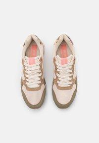 mtng - JOGGO - Sneakersy niskie - verde - 5