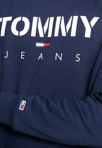 Tommy Jeans - NOVEL LOGO CREW - Sweatshirt - black iris - 5