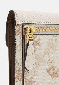 Coach - HORSE AND CARRIAGE SMALL WALLET - Geldbörse - chalk taupe - 3