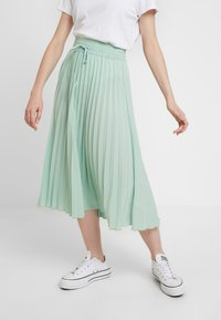Miss Selfridge - PLEATED ELASTICATED WAIST - A-snit nederdel/ A-formede nederdele - green - 0