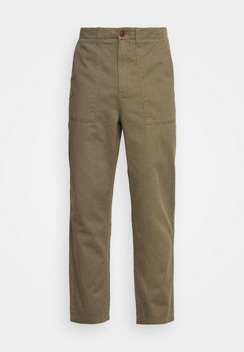 HAWTIN PATCH - Pantalon classique - vintage green