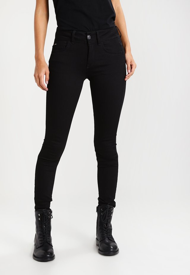 LYNN MID SUPER SKINNY  - Vaqueros pitillo - yield black ultimate stretch denim