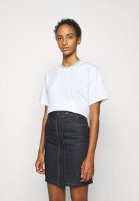 Victoria Victoria Beckham - LOGO - Print T-shirt - white - 0