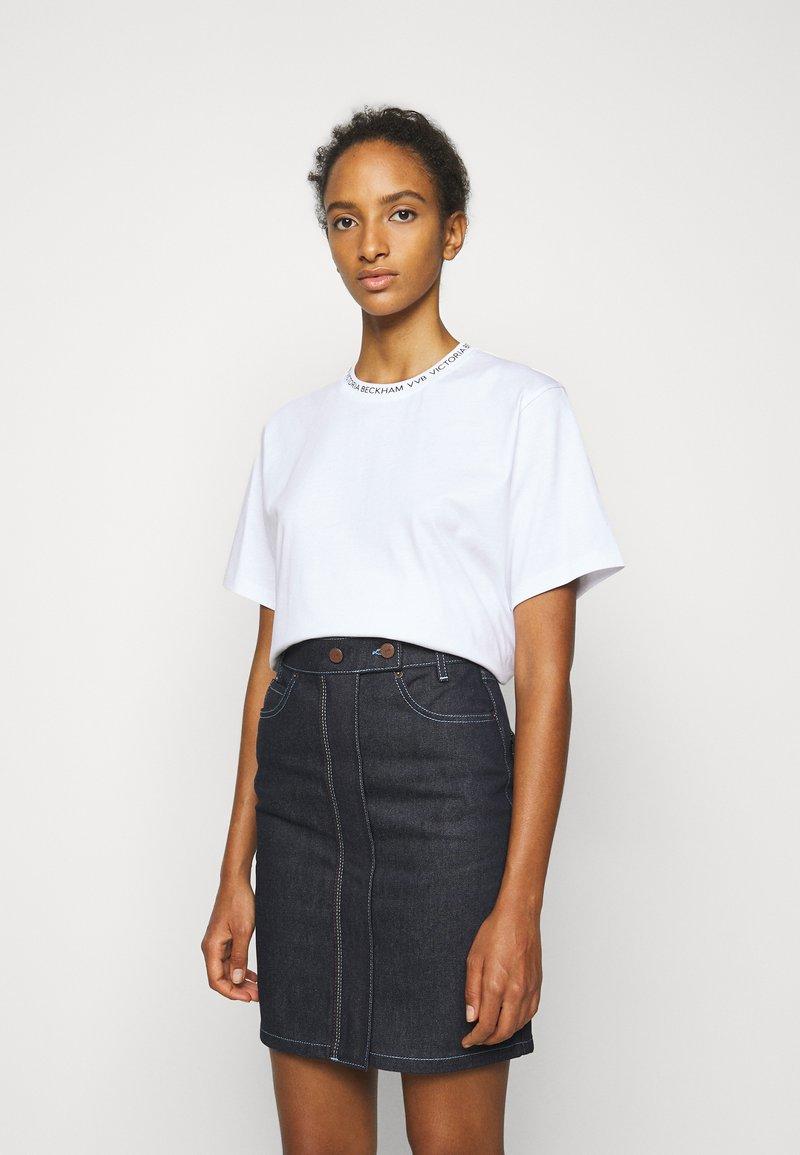 Victoria Victoria Beckham - LOGO - Print T-shirt - white