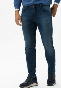 BRAX - STYLE CHUCK - Slim fit jeans - regular blue used - 0