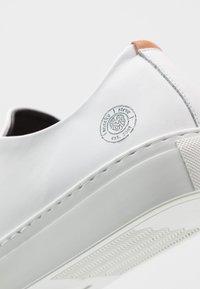 Sneaky Steve - LESS - Sneakers - white - 5