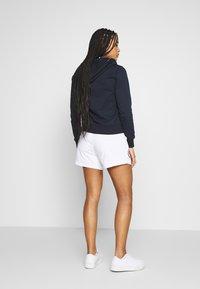 Champion - SHORTS - Shorts - white - 2