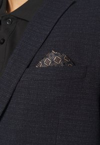 Isaac Dewhirst - TEXTURE  - Giacca - dark blue - 5