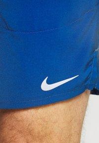 Nike Performance - FLEX STRIDE SHORT - Korte sportsbukser - game royal/silver - 3