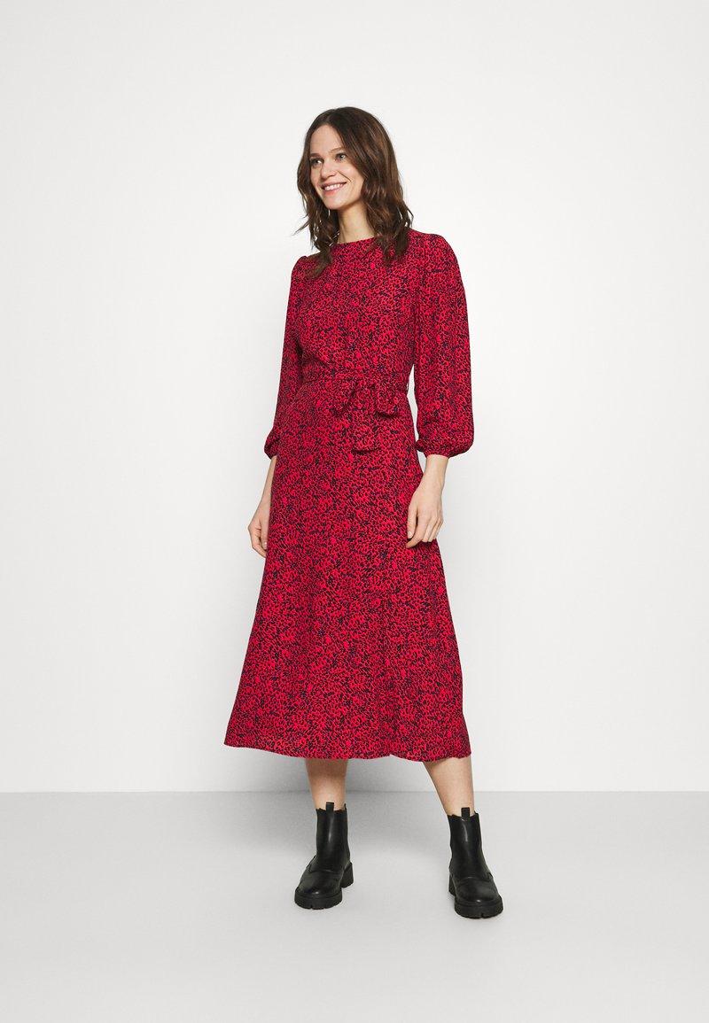 Mavi - Day dress - red
