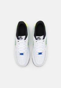 Nike Sportswear - AIR FORCE 1 '07 UNISEX - Sneakersy niskie - white/racer blue/volt/vivid purple/black - 3