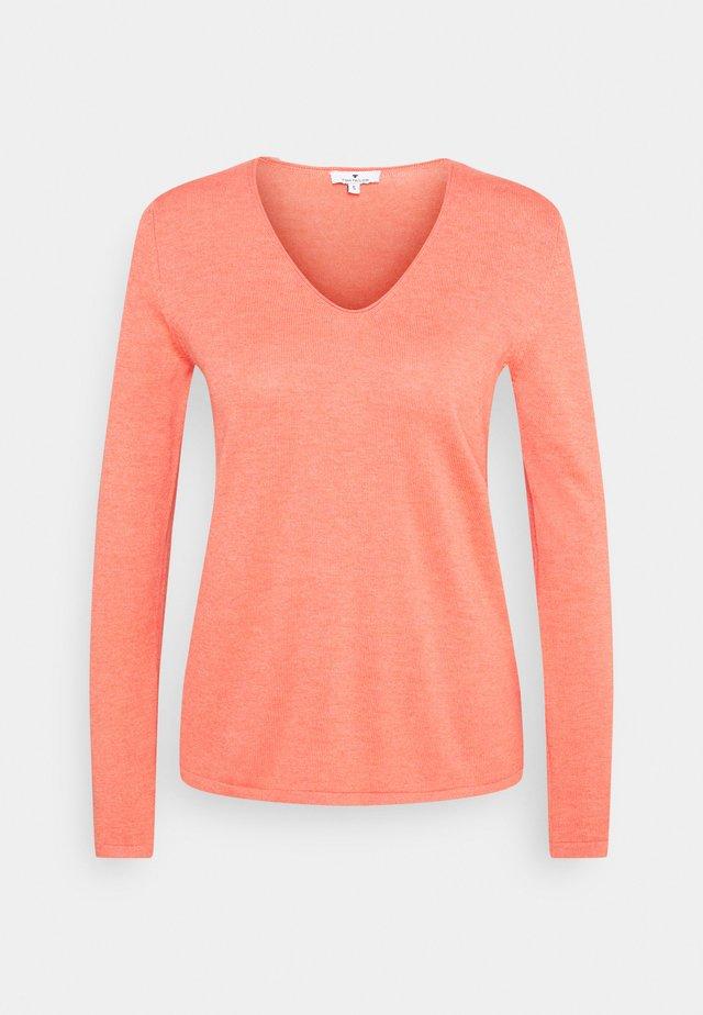 VNECK - Pullover - strong peach melange