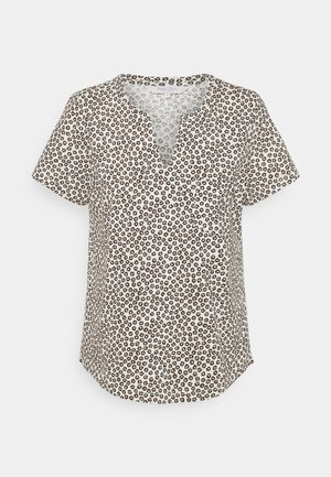 GESINA - Print T-shirt - whitecap gray