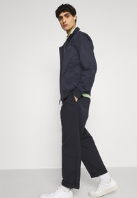GANT - HAMPSHIRE JACKET - Summer jacket - evening blue - 4