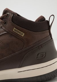 Skechers - DELSON - High-top trainers - chocolate - 5