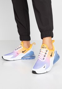 Nike Sportswear - AIR MAX 270 - Trainers - university gold/black/university blue/psychic pink/white/football grey - 0