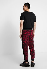 The North Face - RAGE CLASSIC PANT - Spodnie treningowe - rose red - 2
