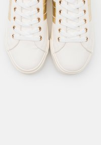 Dorothy Perkins - WIDE FIT INDEED STRIPE DETAIL LACE UP SPORT - Zapatillas - gold - 5
