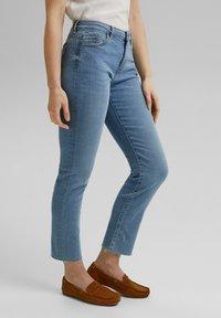 Esprit - Slim fit jeans - blue light washed - 3