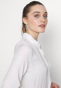 Moss Copenhagen - BLAIR - Button-down blouse - cloud white - 3