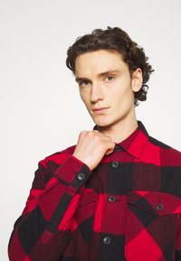 Only & Sons - ONSMILO LIFE HEAVY CHECK  - Skjorta - fiery red - 3