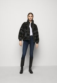 Pinko - LIVIO CABAN - Winter jacket - black - 1