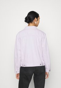 Levi's® - EX BOYFRIEND TRUCKER - Denim jacket - chalky lavender - 2