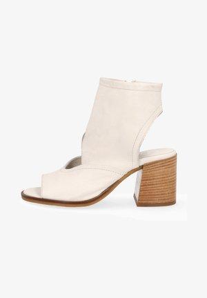 Ankle cuff sandals - panna