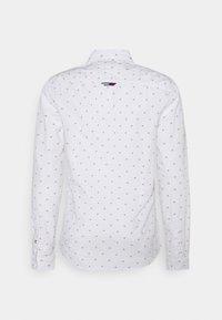 Tommy Jeans - DOBBY SHIRT - Košile - white - 1