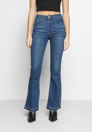 KELLIE JEAN - Flared jeans - breeze