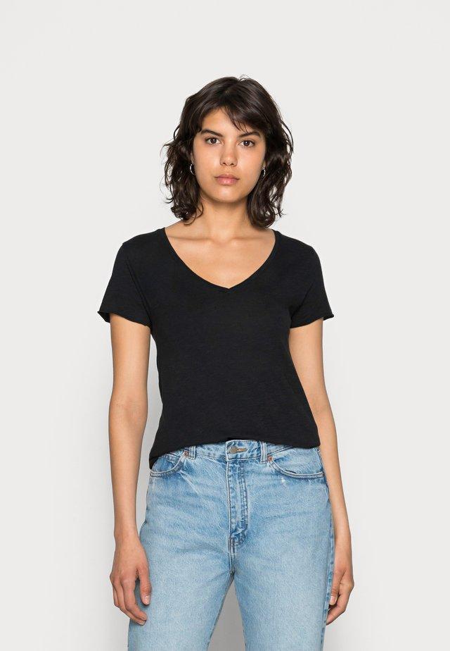JACKSONVILLE V NECK TEE - Basic T-shirt - noir