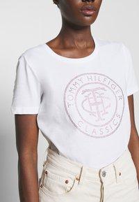 Tommy Hilfiger - TIARA - T-shirt imprimé - white - 4