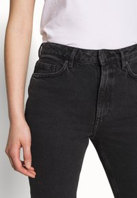 American Vintage - YOPDAY - Straight leg jeans - black denim - 3