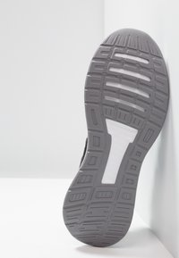 adidas Performance - RUNFALCON - Juoksukenkä/neutraalit - core black/footwear white/grey three - 4