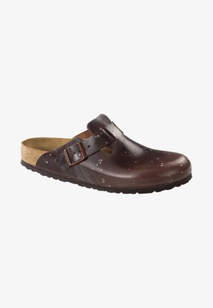 Clogs - brown