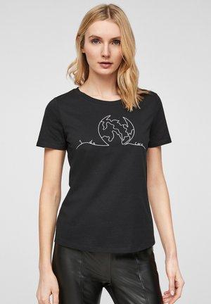 Print T-shirt - black placed print world