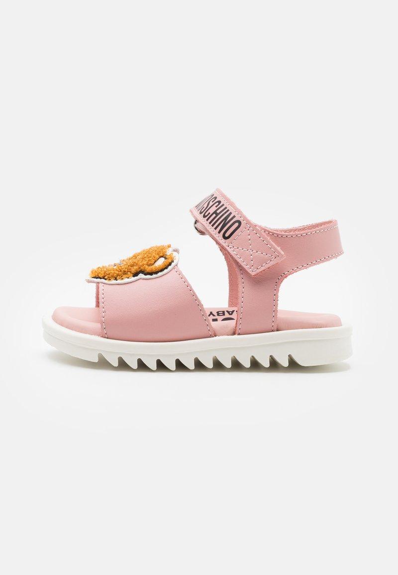 MOSCHINO - Sandály - light pink