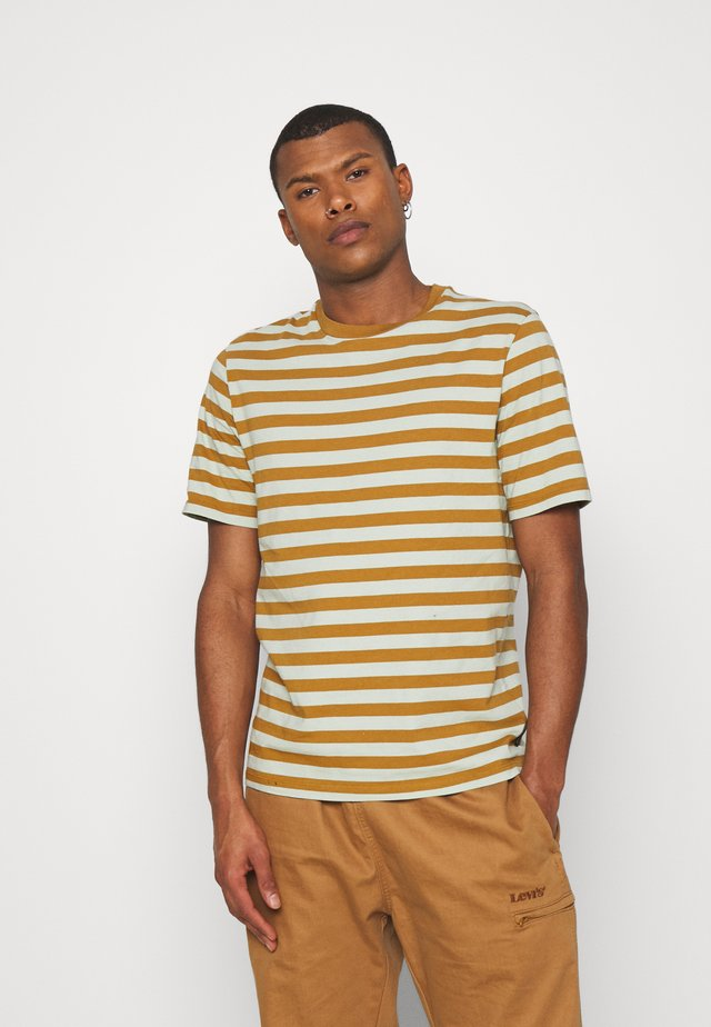 CLASSIC CREWNECK STRIPE TEE - T-shirt imprimé - light green/brown