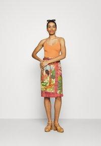 Farm Rio - BEACH DESIRE WRAP SKIRT - Pencil skirt - multi - 1