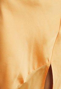 Who What Wear - ASYMMETRIC SLIP SKIRT - Maxi skirt - peach - 4