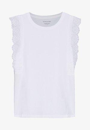 EYELET RUFFLE TEE - Top - white