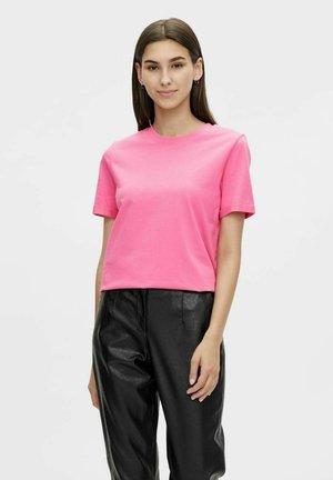 RIA  - Basic T-shirt - azalea pink