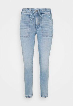 SUPER SOFT JEGGING JOGGER - Jeans Tapered Fit - skyline blue