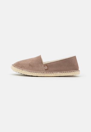 PANTOUFLE CLASSIC - Slippers - sable
