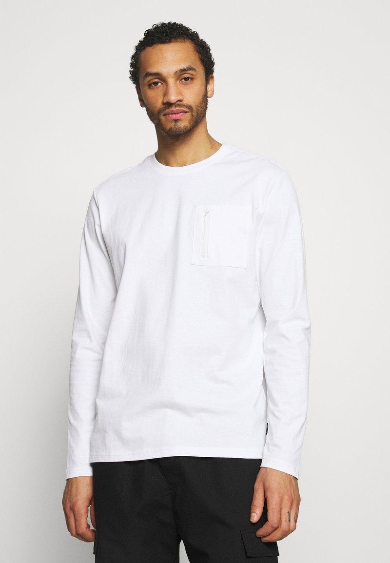 Only & Sons - ONSMAKHI LIFE POCKET TEE - Långärmad tröja - bright white