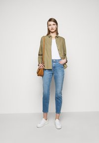 CLOSED - HAILEY - Button-down blouse - green umber - 1