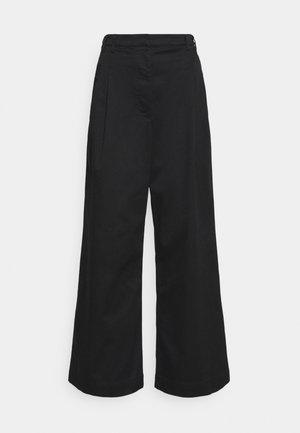 WIDE LEG PANTS - Pantalon classique - black