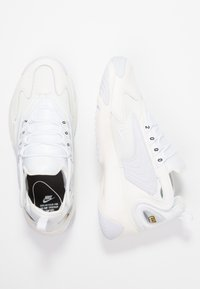 Nike Sportswear - ZOOM 2K - Trainers - sail/white/black - 3