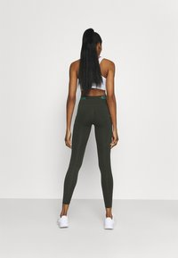 Nike Performance - EPIC LUXE TRAIL - Collant - sequoia/bicoastal - 2