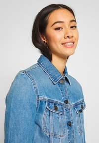Lee - RIDER JACKET - Denim jacket - light baybridge - 4